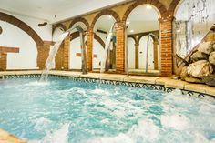 Servicios Casa Rural Spa La Chirumba, a 5 km de Salamanca, vivienda de lujo con encanto, con piscina climatizada, spa, jacuzzi, bodega, para tus reuniones.