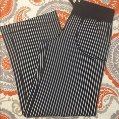"""Lululemon athletica Still Pants Size 6 Barely worn still pants! In great condition. These pants have been hemmed to 30"""" but are still long enough for me, who is 5'10""""! lululemon athletica Pants Wide Leg"""