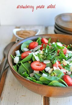 Strawberry Pesto Sal #healthy #salad