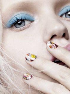 Stickers à ongles à fleurs, Calvin Klein