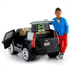 Check out the Power Wheels Cadillac Escalade at the official Fisher-Price website. Explore all our Power Wheels ride-on vehicles, batteries and accessories today! Kids Ride On Toys, Toy Cars For Kids, Kids Toys, Kids Power Wheels, Power Wheels Jeep, Baby Dolls For Kids, Toys For Girls, Cadillac Escalade, Rangement Makeup