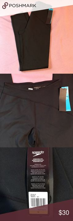 Speedo. Women's medium. Black NWT. Women's medium. Speedo. Tag states designed for teams who works play and win as one. Featuring fabrication that keep you warm dry and allow flexibility.   90%polyester. 10%spandex Speedo Pants Leggings