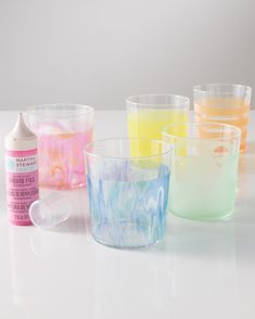 Give glass tumblers the marbleized treatment by combining favorite colors in super swirls.Get the Glass Tumblers Project How-ToVisitto see the full line of Martha Stewart Crafts glass paint and supplies. Foam Crafts, Crafts To Make, Diy Crafts, Glass Candle, Glass Art, Martha Stewart Crafts, Acrylic Craft Paint, Gussied Up, Branch Decor
