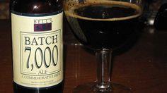 Cerveja Bells Batch 7000 Ale, estilo Russian Imperial Stout, produzida por Bell's Brewery, Estados Unidos. 12% ABV de álcool.