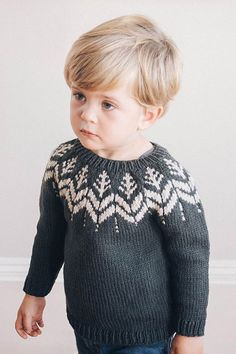 This simple round-yoke pullover is worked from the top down, with a bold tree motif that we adore. Knitted up in our workhorse worsted weight Lark, it's also worked up fairly quickly. Source by Sweater Baby Boy Knitting Patterns, Knitting Paterns, Baby Cardigan Knitting Pattern, Knitting For Kids, Baby Knitting, Baby Boy Sweater, Toddler Sweater, Baby Sweaters, Norwegian Knitting