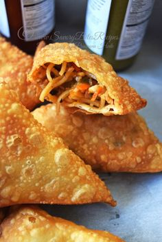 A new post after a little more wait for you all !this time it is superb crispy and tasty snack for tea time.its Vegetable Chinese Samosa! Indian Snacks, Indian Food Recipes, Asian Recipes, Vegetarian Recipes, Snack Recipes, Cooking Recipes, Chinese Food Vegetarian, Easy Samosa Recipes, Easy Recipes