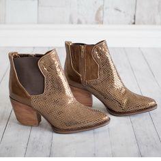RAFA Boots! #froufroushoes #boots #fashion #etsy