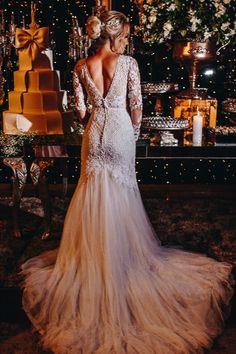 Vestido de Noiva Clássico com calda de tule para Festa de Casamento Noturno. Mermaid Wedding, Lace Wedding, Wedding Dresses, Everton, Fashion, Mermaid Bridal Gowns, Dream Dress, Wedding Boutonniere, Stunning Wedding Dresses
