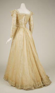 Evening dress Designer: Jeanne Hallée (French, 1880–1914) Date: 1898–1900 Culture: French Medium: silk, horsehair, bone, metallic