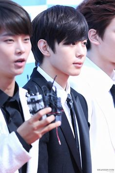 cr: BEANZIP // DO NOT EDIT #Hongbin #VIXX