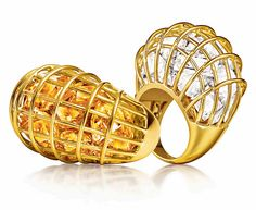 Verdura Caged rings in yellow gold with rock crystal and citrine. Stone Jewelry, Gold Jewelry, Jewelry Rings, Gold Link Bracelet, Unusual Jewelry, Sell Gold, Schmuck Design, Cheap Jewelry, Contemporary Jewellery