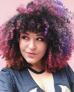 Cabelo cacheado com franja. Curly hair bengs sunset galaxy