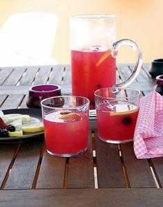 La cocina de Pancho: Limonada rosa y ..... nuevo huésped en casa