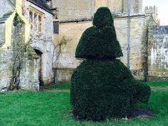 A giant-sized Easter bunny in topiary form!