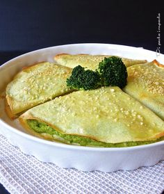 Di pasta impasta: Crêpes al pesto di broccoli Vegetarian Cooking, Vegetarian Recipes, Cooking Recipes, Healthy Recipes, Pasta Company, Pasta Al Pesto, Vegetarian Main Course, Crepe Recipes, Slow Food