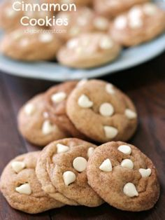 A soft Snickerdoodle-type cookie with cinnamon in the dough that& rolled in cinnamon and sugar for that extra yummy factor! These delightful treasures are irresistible! Cinnamon Cookies, Cinnamon Chips, Oatmeal Cookies, Cinnamon Recipes, Cookie Recipes, Dessert Recipes, Yummy Recipes, Snack Recipes, Best Christmas Cookies
