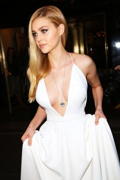 Nicola Anne Peltz born January 1995 (age in Westchester, New York, United States. She is famous American actress. Girl Celebrities, Beautiful Celebrities, Beautiful Actresses, Celebs, Gorgeous Women, Cool Blonde, Beautiful Blonde Girl, Nicola Peltz, Fashion Beauty