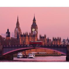 Pictures of London from Jon Baker ❤ liked on Polyvore featuring backgrounds, pictures, photo, pics and tumblr