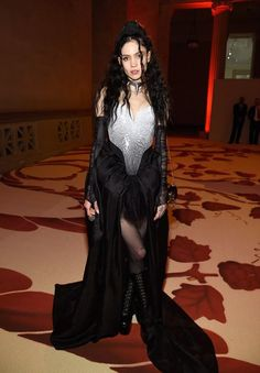 Grimes at Met Gala 2018-March 17, 1988 In: Vancouver, BC (Canada) Sun: 27°27' Pisces Moon: 23°56' Pisces Dominants: Capricorn, Pisces, Taurus Saturn, Neptune, Venus Earth, Water / Cardinal Chinese Astrology: Earth Dragon Numerology: Birthpath 1