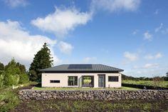 사합[四合]집 : 네이버 블로그 Architecture Design, Cottage, House Design, Cabin, Interior Design, World, House Styles, Home Decor, Design Interiors