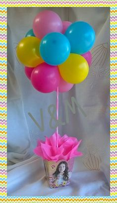first birthday photo Balloon Centerpieces, Balloon Decorations, Baby Shower Decorations, Balloon Box, Balloon Display, Party Treats, Party Favors, Baby Birthday, Birthday Parties