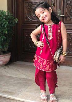 Baby Girl Frocks, Frocks For Girls, Toddler Girl Dresses, Little Girl Dresses, Girls Dresses, Eid Dresses, Baby Dresses, Casual Dresses, Fashion Dresses