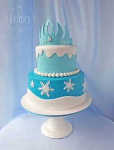 Preciosa torta para fiesta temática Frozen