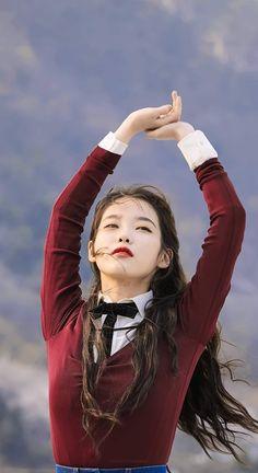Korean Actresses, Korean Actors, Iu Fashion, Korean Fashion, Iu Short Hair, Long Hair, Korean Beauty, Asian Beauty, Iu Twitter
