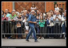 Applause to the photographer! by Giancarlo Gallo