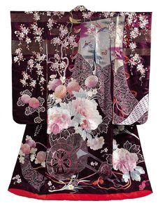 wedding kimono from 19th century with cherry and peony flowers (satin de soie)