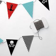 Pop up kemut Merirosvo -viirit   Pirate party garland