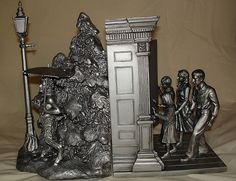Narnia Bookends by marybluefairy, via Flickr