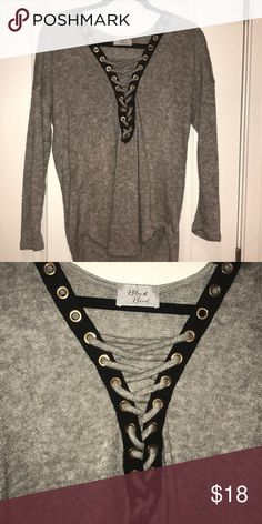 Gray sweater Gray lightweight sweater. Black and gold detail with lace up front. Very trendy. Worn one time! Amazing quality with no rips or pulls! Sweaters Crew & Scoop Necks
