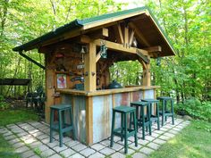 85 Incredible Outdoor Kitchen Design Ideas for Summer - Kitchen Decoration - Outdoor Kitchen İdeas Rustic Outdoor Bar, Outdoor Tiki Bar, Rustic Outdoor Kitchens, Outdoor Kitchen Plans, Rustic Patio, Backyard Kitchen, Backyard Bar, Summer Kitchen, Outdoor Bars