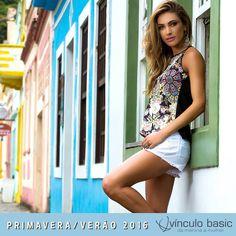 Cava americana e estampa deusa: look super trendy para você arrasar MUITO! ❤  http://www.vinculobasic.com.br/ #vinculobasic #primavera #verao #fashion