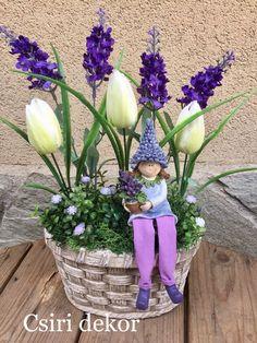 Disney Artwork, Deco Floral, Hand Puppets, Ikebana, Handmade Flowers, Decoration, Paper Flowers, Flower Arrangements, Diy And Crafts
