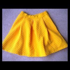 "H&M yellow skater skirt NWT H&M yellow skater skirt. Elastic waist. 13"" across waist unstretched. 17"" long. Size medium. H&M Skirts Circle & Skater"