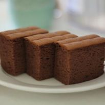 Resep Bolu Coklat enak dan mudah untuk dibuat. Di sini ada cara membuat yang jelas dan mudah diikuti.