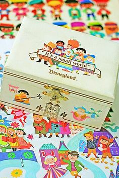1960's It's a Small World musical jewelry box