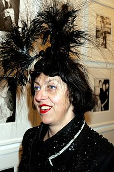 Isabella wearing Philip Treacy