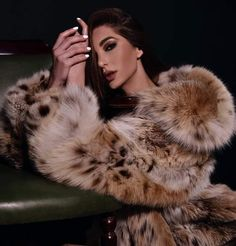 Lynx, Cats, Fur Coats, How To Wear, Women, Fashion, Moda, Gatos, Fashion Styles