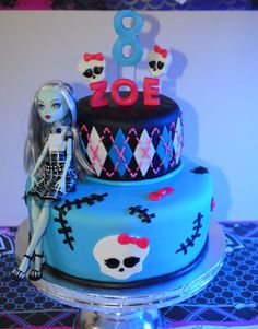 Monster High cake http://cakedesignsforkids.co.uk
