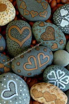 Painted Hearts Rocks 1 by KristineFerrigno on Etsy Pebble Painting, Pebble Art, Stone Painting, Heart Painting, Stone Crafts, Rock Crafts, Arts And Crafts, Painted Rocks, Hand Painted