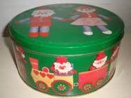 Retro danish Christmas cake tin from THERNØE - 1970es H: 9,5 cm D: 20 cm.  #retro #danish #christmas #tin #1970 #dansk #jul #kagedaase #thernoee. SOLGT.