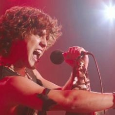 """Diego as Drew in Rock of Ages movie singing """"I Wanna Rock"""" :) <3"""