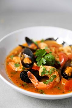 Summer Seafood Stew with Chorizo.healthy and light! Your favorite seafood in a fennel-tomato broth with a little spicy chorizo. Make in 30 minutes! Fish Recipes, Seafood Recipes, Soup Recipes, Cooking Recipes, Healthy Recipes, Seafood Stew, Seafood Dishes, Fish And Seafood, Best Food Ever