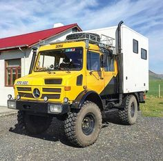 Eyjafjallajökull Erupts, Iceland. #unimog #Mercedesbenz #mercedes #offroad #4wd #4x4 #campingcar #motorhome #camperbox #camion #truck #shelter #safari #africa #postapocalyptic #postapocalypticvehicle #military #militaryvehicle #transportdetroupe #parisdakar #globetrotter