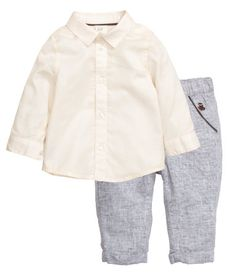 BABY EXCLUSIVE. Set with pants and a long-sleeved shirt. Shirt in soft, washed twill made from cotton with collar and buttons at front and at cuffs. Pants in a woven linen and cotton blend with elasticized waistband, side pockets, mock back pocket, and sewn cuffs at hems.
