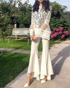 WHO tanyarnawaz UK I chose this all white outfit for my graduation because it s simple elegant and classy which describes the type of fashion I am most into All White Outfit, White Outfits, White Dress, Pakistani Dress Design, Pakistani Outfits, Eid Outfits, Fashion Pants, Fashion Show, Fashion Dresses