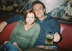 The pictures from the 'How I Met Your Mother' opening sequence. Marshall and Lily How I Met Your Mother, Ted Mosby, Marshall E Lily, Marshall Eriksen, Would You Rather Game, Thats 70 Show, Best Tv Couples, Cutest Couples, When You Believe